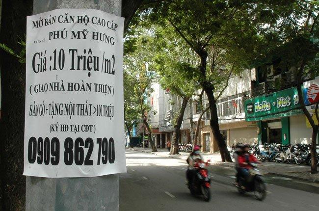 Mẩu quảng cáo bán căn hộ thông tầng dự án Gold House (An Tiến) trên đường Nguyễn Hữu Thọ, xã Phước Kiểng, huyện Nhà Bè, TPHCM. Ảnh: Đình Dũng