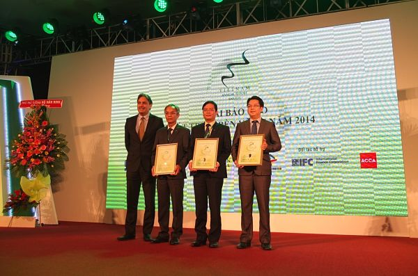 vinamilk sacombank Forbes ranks vinamilk as vietnam's most valuable brand forbes ranks vinamilk as vietnam's most valuable brand skip to content sacombank and bao viet holdings.