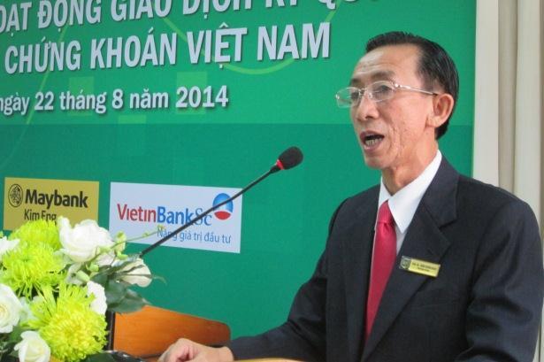 PGS.TS Trần Hoàng Ngân: Hãy tạo sóng trên thị trường