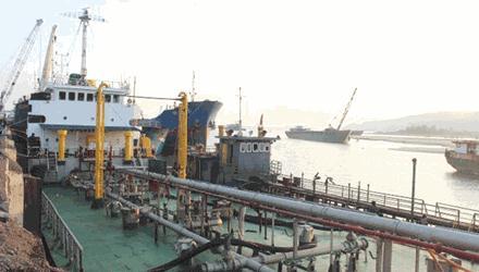 Buôn lậu xăng dầu trên biển lợi nhuận như buôn ma túy?