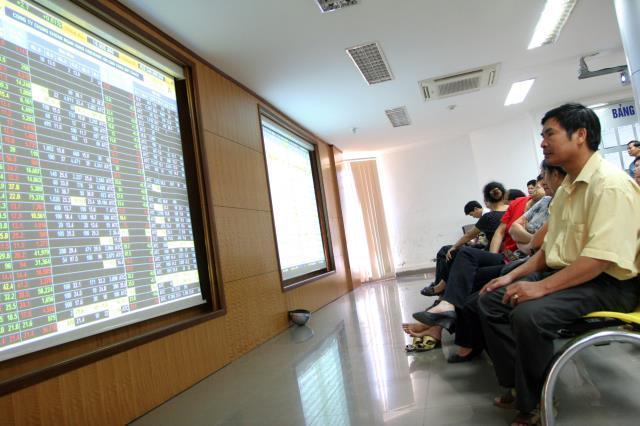 """Tuần 20 - 24/10/2014: 10 cổ phiếu """"nóng"""" dưới góc nhìn PTKT của Vietstock"""