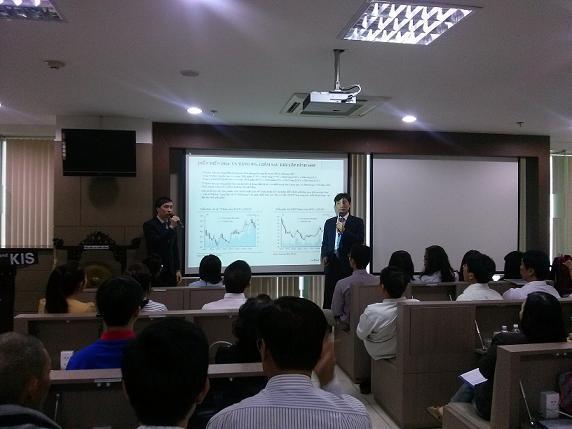 Ông Yun Hang Jin (KIS): VN-Index sẽ tìm lại mức 650 trong năm 2015