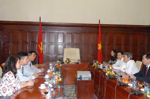Thống đốc Nguyễn Văn Bình: Lãi suất cho vay giảm 1-1,5% trong năm nay