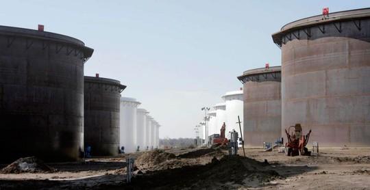 Mỹ: Nỗi lo thừa dầu thô