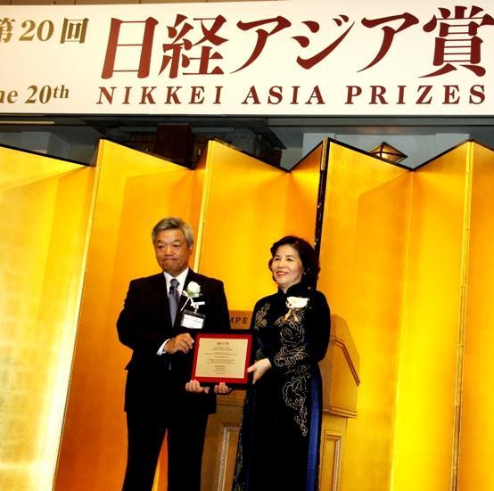 Bà Mai Kiều Liên được nhận giải Nikkei châu Á