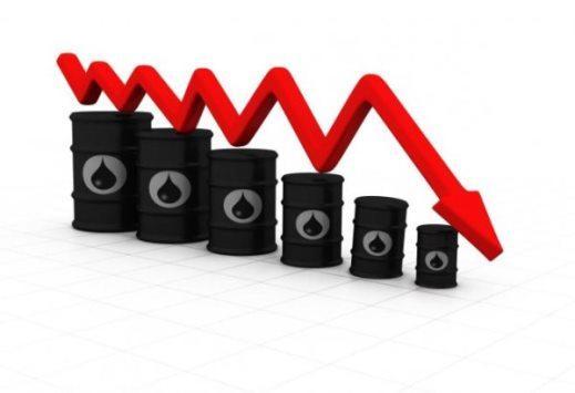 Dầu giảm sâu gần 3% khi đồng USD nhảy vọt
