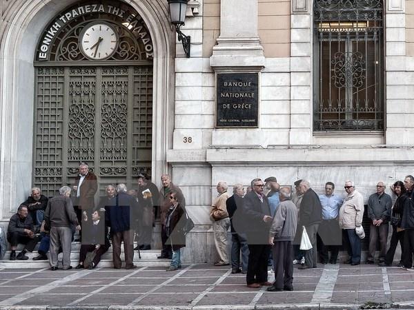 Hy Lạp thu hồi các tài khoản công có số dư dưới 100 euro