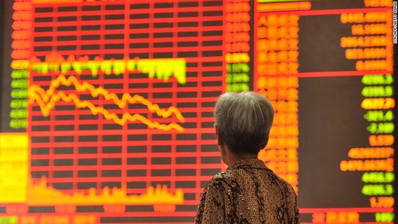 Trung Quốc cam kết tiếp tục hỗ trợ cổ phiếu khi TTCK rơi tự do