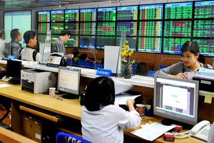 Vietstock Daily 08/10: Khối ngoại đang đổi hướng giao dịch, mua ròng trở lại