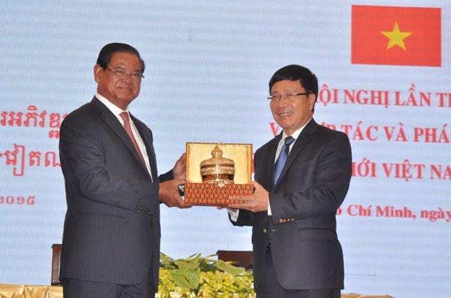 Việt Nam-Campuchia nhắm đến trao đổi thương mại 5 tỉ đô la Mỹ