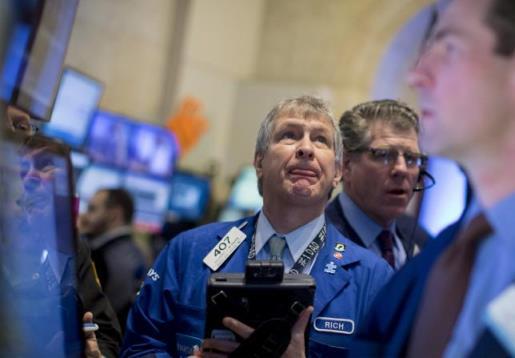 Chứng khoán Mỹ trồi sụt, cổ phiếu y tế chìm nghỉm