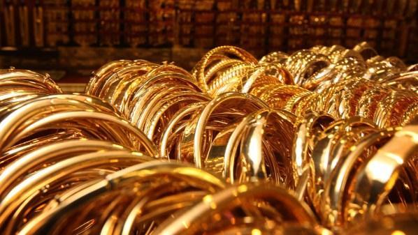 Vàng rớt xuống mức thấp nhất kể từ tháng 2/2010