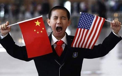 """Trung Quốc """"đuối"""" trong cuộc đua GDP với Mỹ"""