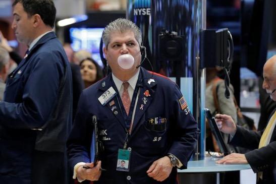 S&P 500 nhảy vọt gần 2% sau 2 phiên