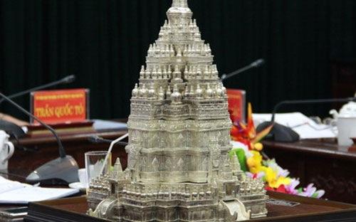 """Xây tháp Phật giáo cao bậc nhất thế giới trong """"siêu"""" dự án hồ Núi Cốc"""