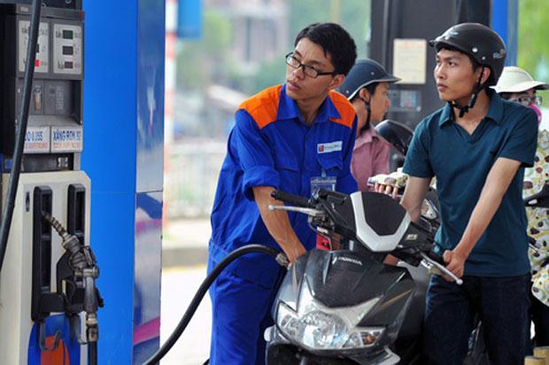 Giá xăng tăng hơn 150 đồng/lít