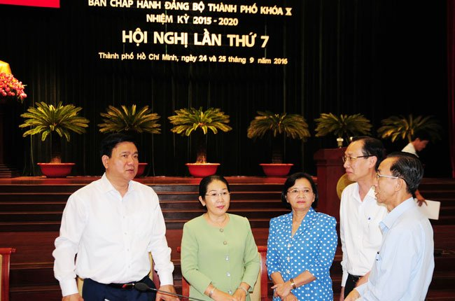 """Bí thư Đinh La Thăng: """"Kinh tế TPHCM ước tăng 8% năm 2016"""""""