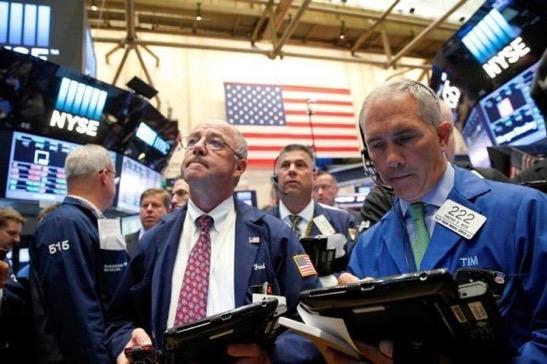 Cổ phiếu năng lượng và ngân hàng kích Phố Wall khởi sắc