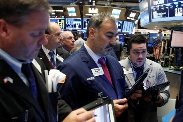 S&P lên đỉnh 2 tuần nhờ lợi nhuận khả quan và M&A