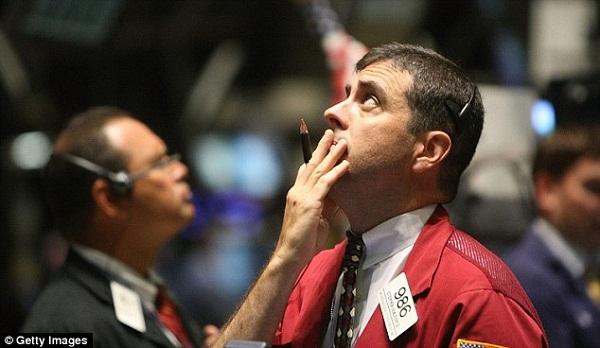 Đánh cược vào cổ phiếu dầu, một nhà giao dịch quyền chọn đã mất hơn 2 triệu USD trong 1 tuần
