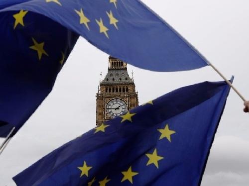 Vì sao các ngân hàng ở Anh muốn áp dụng luật của EU thêm 5 năm sau Brexit?