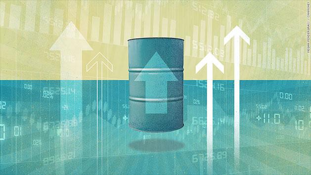 Nhờ đâu giá dầu đã tăng gấp đôi chỉ trong 1 năm?