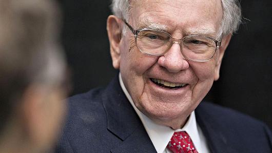 Vì sao Warren Buffett vi phạm nguyên tắc đầu tư hàng đầu của mình?