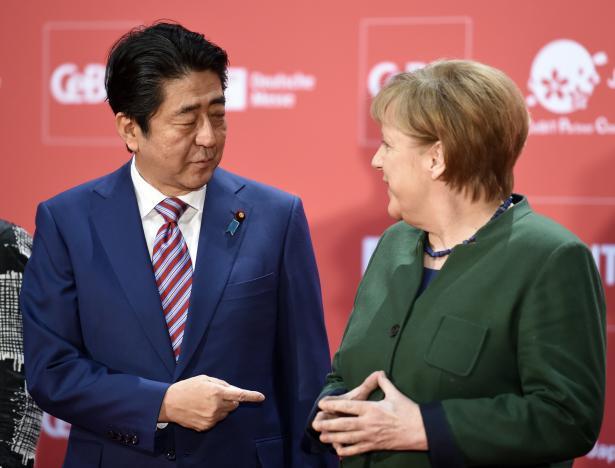 Thủ tướng Đức và Nhật Bản hối thúc thương mại tự do sau hội nghị G20