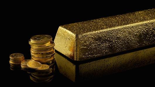 Vàng giảm sút khi đồng USD tăng cao