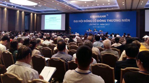 ĐHĐCĐ Eximbank: Vì sao rút tờ trình đêm trước Đại hội?