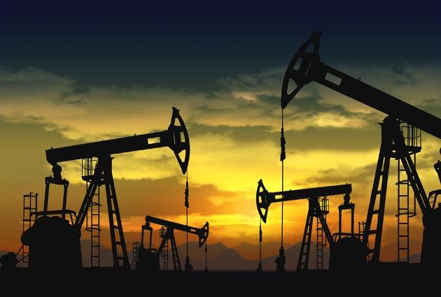 Dầu trái chiều sau dữ liệu định kỳ về nguồn cung dầu tại Mỹ