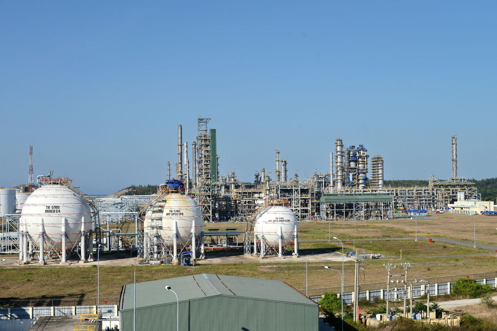 Lợi nhuận giảm sút, Lọc dầu Dung Quất có gì hấp dẫn nhà đầu tư?