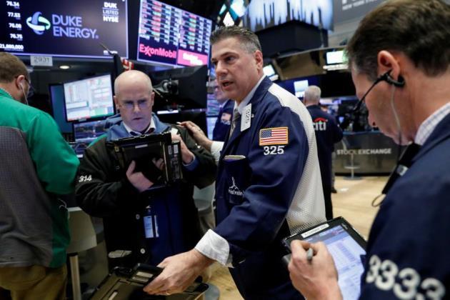 Sụt tiếp hơn 400 điểm trong phiên, Dow Jones chứng kiến tuần sụt giảm mạnh nhất kể từ tháng 1/2016