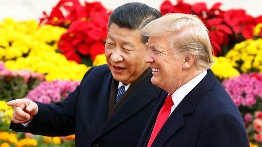 Hang Seng tăng gần 400 điểm sau khi Mỹ tuyên bố tạm ngưng chiến tranh thương mại với Trung Quốc