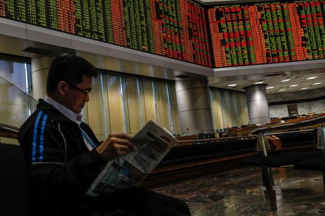 Nhà đầu tư nước ngoài tháo chạy khỏi TTCK Malaysia