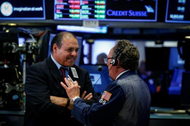 Dow Jones và S&P 500 tăng 3 tuần liền
