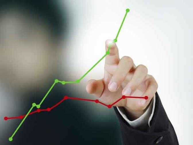 Góc nhìn 15/08: VN-Index có vượt mốc tâm lý 980 điểm?