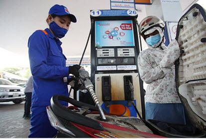 Xăng dầu đồng loạt tăng giá từ 15h ngày 21/09