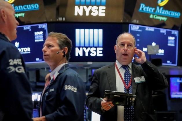 100518 ck - Dow Jones Sụt Hơn 200 Điểm Sau 5 Phiên Leo Dốc Liên Tiếp