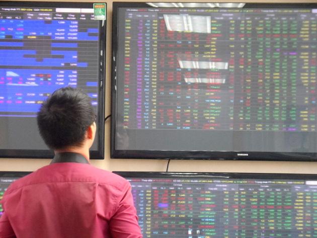 Nhịp đập Thị trường 19/10: VN-Index giảm điểm trong phiên tái cơ cấu của các quỹ ETFs nội