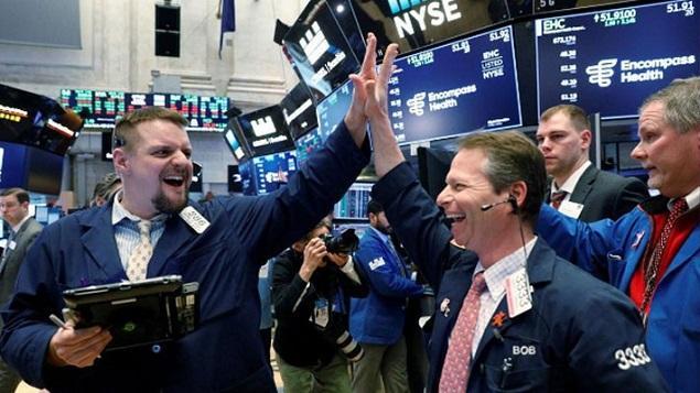 chung khoan my 15 11 636759 thumb - Trở Về Từ Vực Thẳm, Dow Jones Tăng Hơn 200 Điểm, Chấm Dứt 4 Phiên Giảm Liên Tiếp