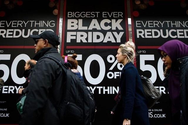 black friday 1 - Black Friday - Từ Hỗn Loạn Đến Vắng Lặng