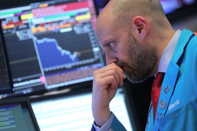 105608618 1543952333811rts28vz4 - Dow Jones Tương Lai Giảm Mạnh, Bán Tháo Sẽ Còn Tiếp Diễn?