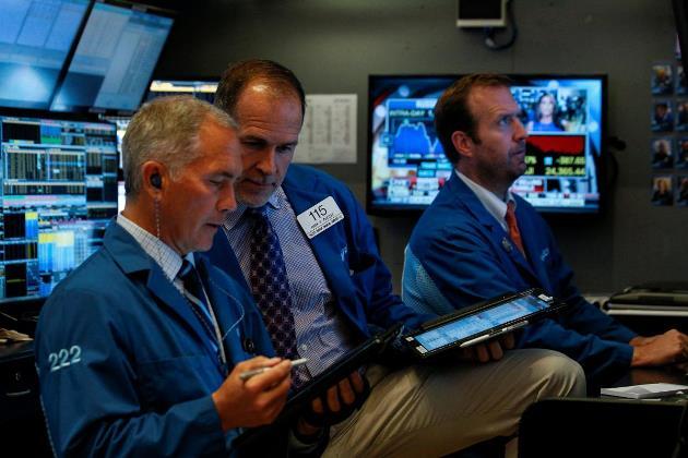 Dow Jones giảm nhẹ sau khi biến động hơn 500 điểm trong phiên