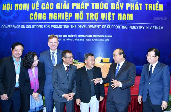 Thủ tướng: Cần phát huy 'tinh thần Park Hang Seo' vào kinh tế