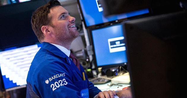 Dow Jones vọt hơn 300 điểm, ghi nhận chuỗi 4 tuần tăng liền đầu tiên kể từ tháng 8/2018