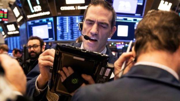 Dow Jones quay đầu giảm trước lo ngại về đàm phán thương mại Mỹ - Trung