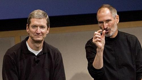 tim cook steve jobs - Steve Jobs Đã Thuyết Phục Tim Cook Về Apple Như Thế Nào