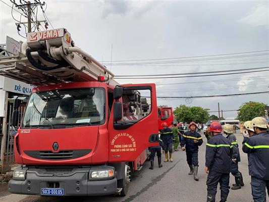 cháy dữ dội ở KCN Việt Hương 1, Thuận An, Bình Dương