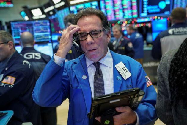 Dow Jones sụt hơn 250 điểm trước nỗi lo căng thẳng thương mại Mỹ - Trung kéo dài